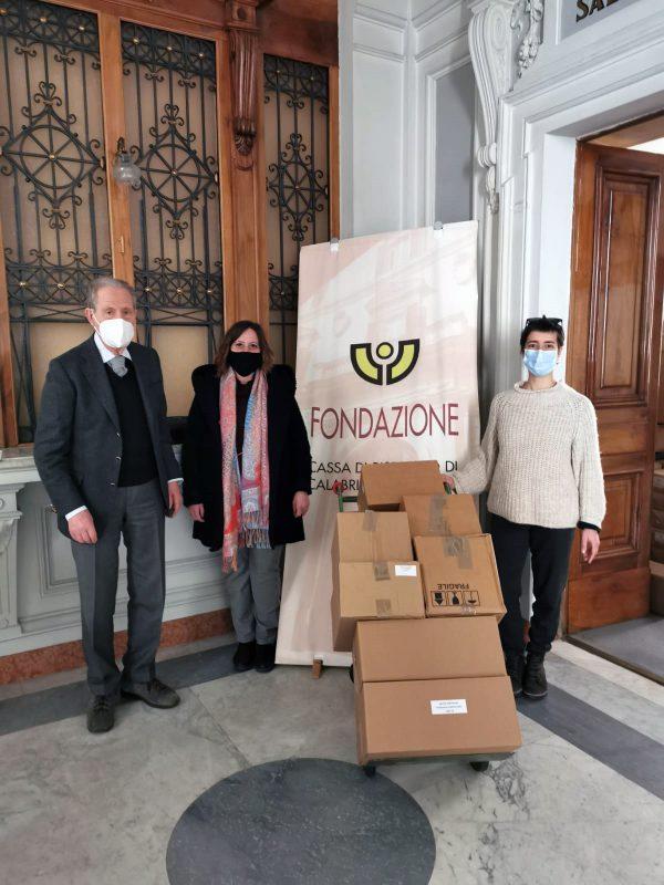 Fondazione Carical dona libri Ancora diparole, donazioni, libri, corigliano-rossano, cosenza
