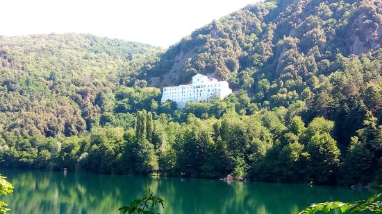 Monticchio Lake Best