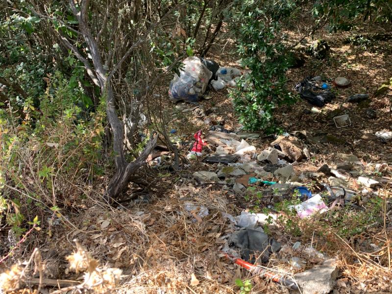 micro-discariche nei pressi di Tikirriki a Pantelleria