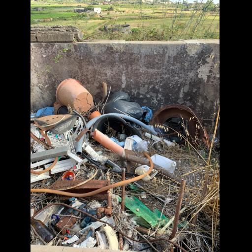 Micro discariche nei pressi di Santa Teresa a Pantelleria